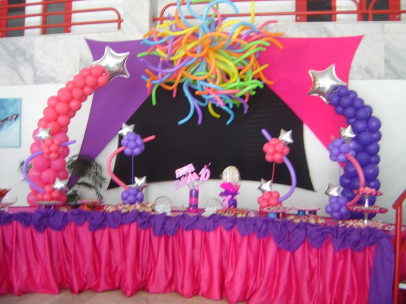 Você está visualizando as imagens da galeria: Festas Teens